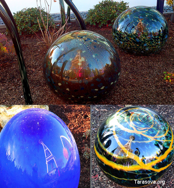 Отражение телебашни Space Needle в стеклянных шарах