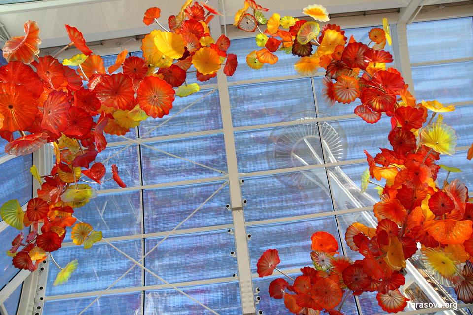 Ажурная и воздушная конструкция из стекла